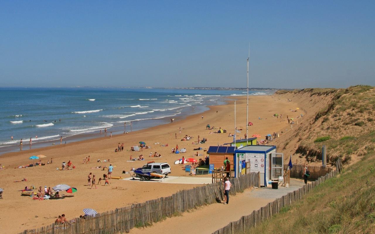 Plage de sauveterre plages de sable fin et surveill es - Office du tourisme les sables d olonnes ...